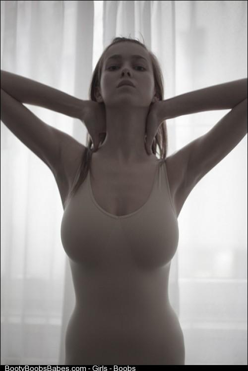 Девушки с голой грудью - часть 1 Barashka.com - Эротика и не только.